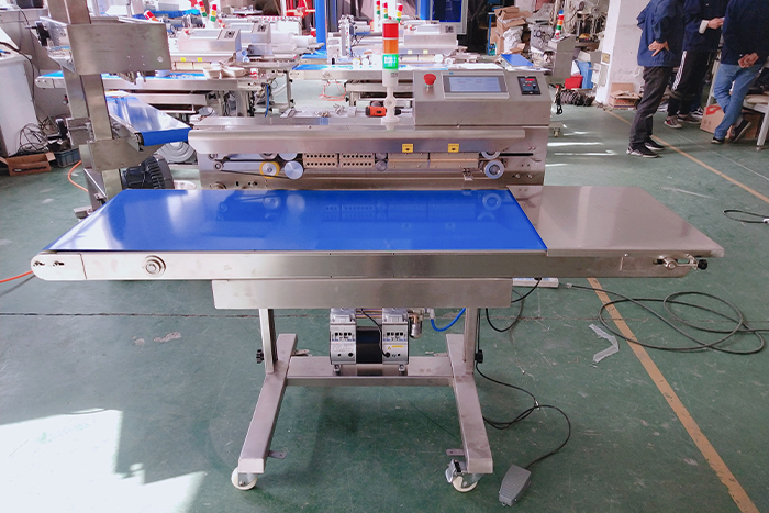 Customized PLC continuous vacuum sealer